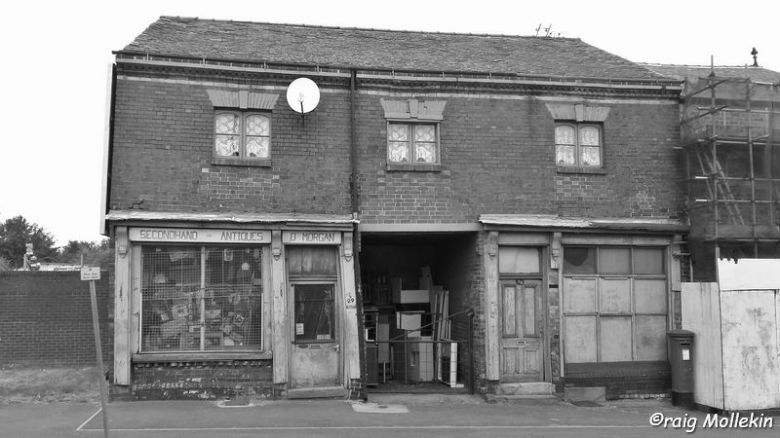 Dolly Morgans', Swinton